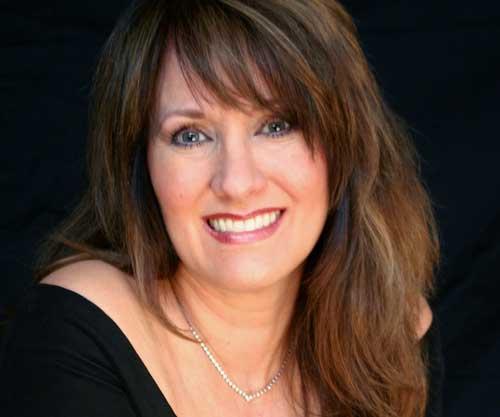 Raine Austen – Vocalist