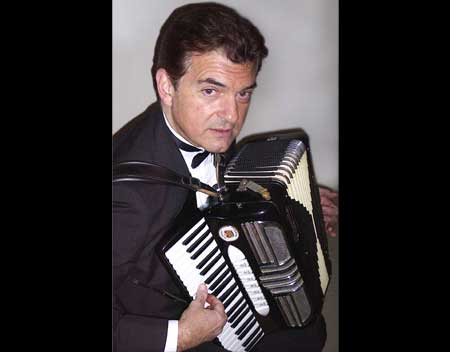 Dennis DeSapri – Accordion