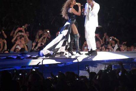 A picture of Beyonce and Jay Z at a concert